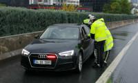 İstanbul'da bin 753 sürücüye 'çakarlı araç' cezası