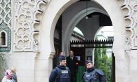Fransa'da denetlenen camilerin üçte biri kapatıldı