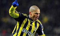 Türk kulüplerinde Alex savaşı