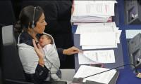 Doğum yapan kadına ikinci maaş!