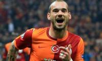 Sneijder'ın takımı 4 gol yedi