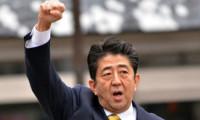 Japonya seçimlerinde zafer Abe'nin