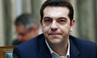Atina'da Çipras'a büyük destek