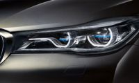 BMW'den Mercedes'e gözdağı