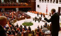 Davutoğlu'ndan Meclis'e Erdoğan tepkisi!