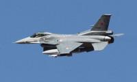 Türk F-16'ları sınırda devriye uçuşunda