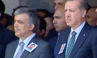 Erdoğan ve Gül törende yan yana