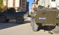 Şemdinli'de bomba yüklü araçla saldırı