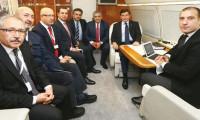 Davutoğlu uçakta MİT TIR'larını anlattı