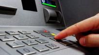 ATM'ye sıkışan görevli şok etti