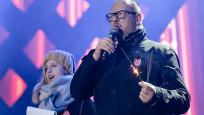 Polonya'da sahnede bıçaklanan belediye başkanın durumu ağır