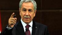 Bülent Arınç, 'gazeteciye hakaret' davasında beraat etti