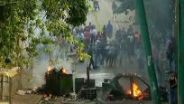 Bastırılan askeri kalkışma sonrası Venezuela sokakları karıştı