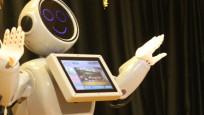 Konyalı insansı robot, nikah şahidi olup göbek attı