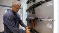 Kalaşnikov, AK'nın Amerikan rakibi AR'nın noksanını açıkladı
