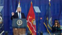 Trump, kurşun geçirmez camın arkasından konuştu
