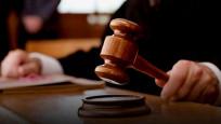 Cezaevindeki teröristlere not kağıtlarıyla bilgi aktaran avukat tutuklandı