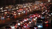 İstanbul trafiği durma noktasına geldi
