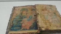 Bursa'da bin yıllık İncil ele geçirildi