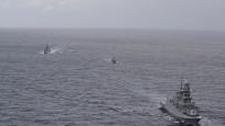 Türk donanması İsrail gemisini Doğu Akdeniz'den çıkardı
