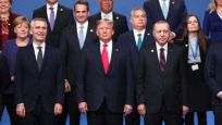 NATO zirvesinden dikkat çeken kareler!
