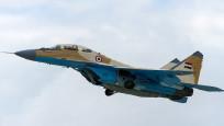 Mısırda savaş uçağı düştü