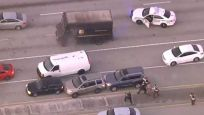 Kuyumcuyu soyduktan sonra UPS aracıyla kaçan hırsızlarla çatışma: 4 ölü