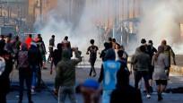 Bağdat'ta göstericilere plakasız sivil araçlardan ateş açıldı
