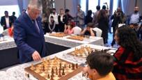 12 yaşındaki Işıl Cingöz, Büyük Usta Karpov ile berabere kaldı