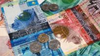 Kazaklar Rusça para basmayı bırakıyor