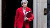 May Brexit'i ertelemek istiyor
