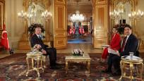 Erdoğan: Vatandaşın nabzını anketlerden çok meydanlarda tutuyorum
