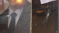 İzmir'de AK Parti bürosuna taşlı saldırı