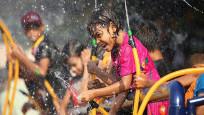 Su Festivali'yle günahlarından arındıklarına inanıyorlar