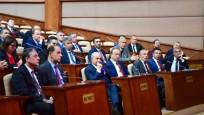 CHP'li belediye başkanları AK Parti sıralarında oturdu