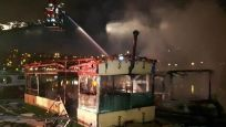 Haliç'te 2 tekne alev alev yandı