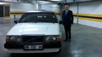 Bahçeli, klasik otomobiliyle Ankara'yı turladı