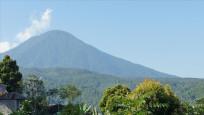 Agung Yanardağı'nda patlama