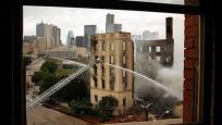 Dallas'ın sembolüydü... 115 yıllık otel kül oldu