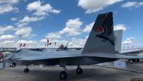 Türkiye'nin ilk yerli savaş uçağı Paris'te sergilendi