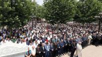 Mursi için yurt genelinde gıyabi cenaze namazı kılındı