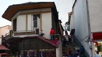 120 yıllık tarihi ev kül oldu