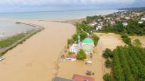 Düzce'de sel ve heyelan: Kayıp 7 kişiden birinin cesedi bulundu