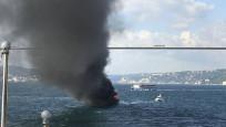 Üsküdar'da tekne yangını