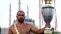 Ali Gürbüz 'pehlivan hamamı' geleneğini sürdürdü