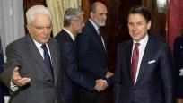 Conte istifasını Cumhurbaşkanı Mattarella'ya sundu