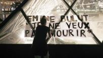 Emine Bulut ünlü müze Louvre'da