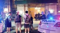 Trump Plaza'nın lobisine lüks araç daldı: 3 yaralı