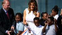 Melania Trump'ın kurdele kesme girişimi başarısızlıkla sonuçlandı