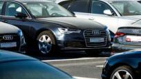 Hollanda polisinin lüks araçları otoparkta yatıyor